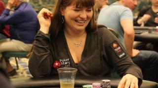 Adrienne Rowsome, algo más que una jugadora pro de poker