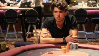 Davide Ferrari, de la raqueta a las cartas