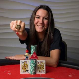 Conchi Mora, anillo de las WSOPC International