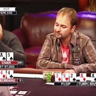 Daniel Negreanu piensa su jugada en el River
