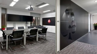 Sala de Reuniones en las oficinas de PokerStars