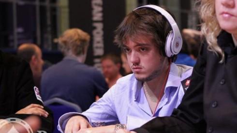 Cascos Poker