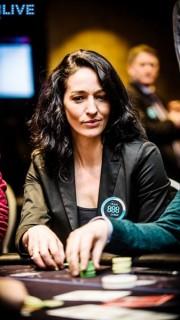 Kara Scott, en la mesa durante el 888poker Live Local Series
