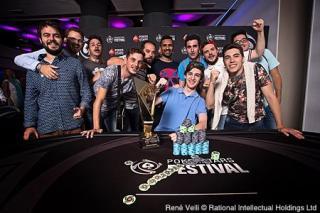 Fernández, con sus amigos en Marbella