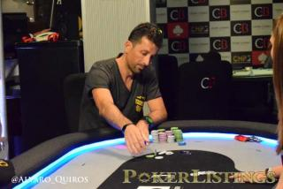 Haritz Doyharzabal, jugando en la mesa final del CNP Bilbao
