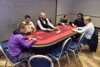 Sánchez, en la mesa junto a Pro y Lebrón