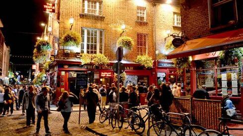 Si quieres divertirte en Dublín, el Temple Bar es una gran opción