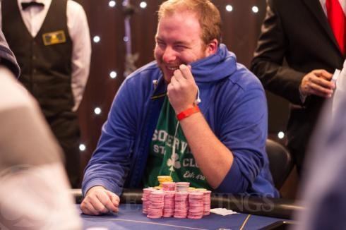 John Finnighan en la mesa final.