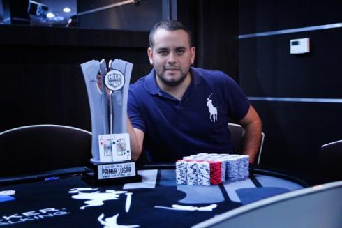 Gabriel Granados, actual campeón del MegaStack