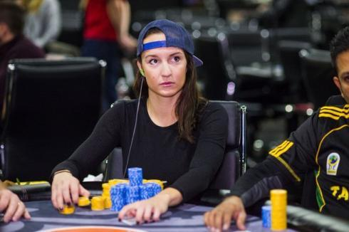 Ema Zajmovic rompe moldes en el poker