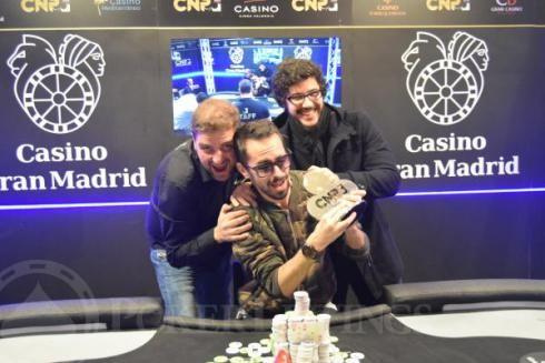 Veloso, con sus compañeros portugueses