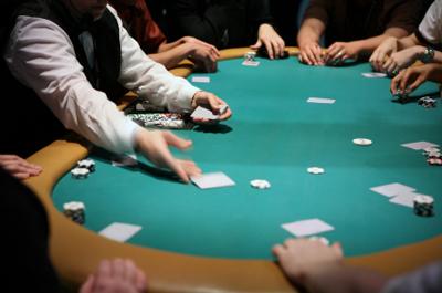 Poker jugar online dualit 4 slot newgen toaster black