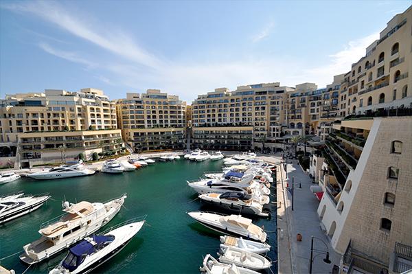Yates y botes en Malta