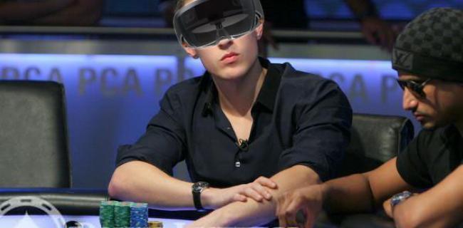 Cómo puede cambiar el poker en vivo con las HoloLens de Microsoft